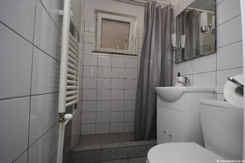 Badezimmer II (2. Ebene)