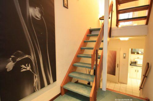 Treppe vom Wohnbereich zum Schlafbereich – Ferienwohnung Christer