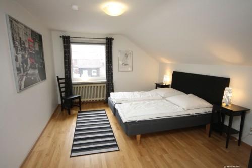 Schlafzimmer II – Ferienhaus Carl