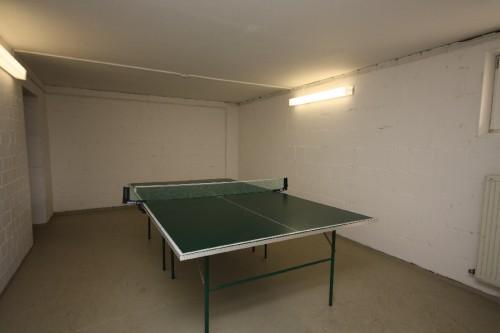 Tischtennisplatte in der Ferienanlage