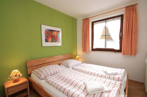 Schlafzimmer 1 – Ferienwohnung Bergblume
