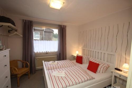 Schlafzimmer I (Erdgeschoss) – Gruppenhaus Heine