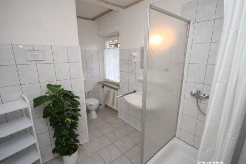 Badezimmer I (Erdgeschoss) – Gruppenhaus Heine