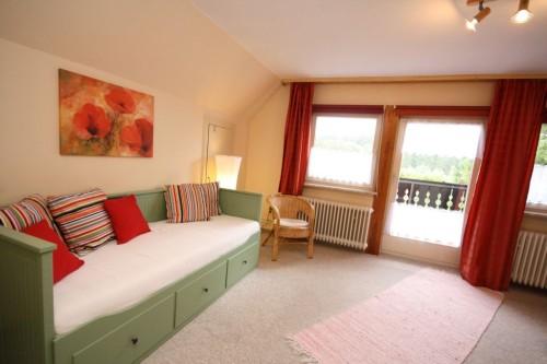 Schlafzimmer VII (3. Ebene) – Gruppenhaus Heine
