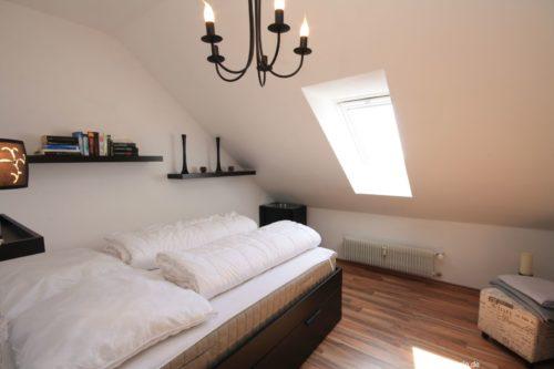 Schlafzimmer – Ferienwohnung A-Viva