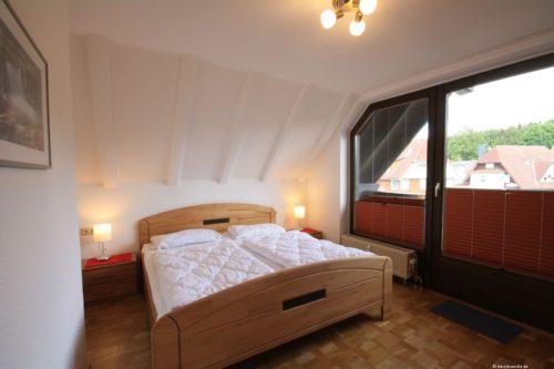 Schlafzimmer 1 – Ferienwohnung Bergrose