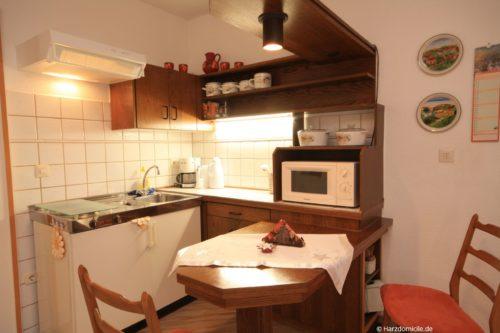 Wohnbereich mit Küchenzeile – Apartment Morgentau