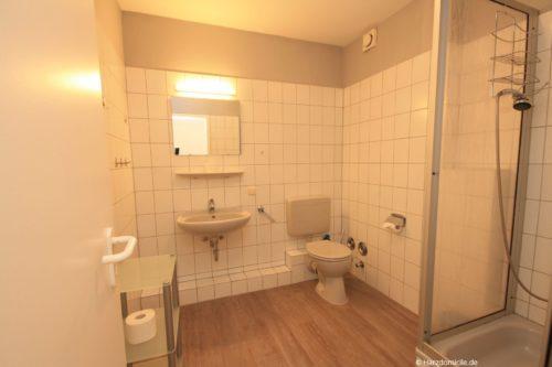 Badezimmer – Ferienwohnung an der Seilbahn