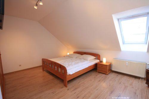 Schlafzimmer – Ferienwohnung an der Seilbahn