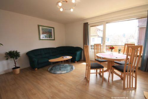 Wohn- /Essbereich mit offener Küche – Ferienwohnung Luisa