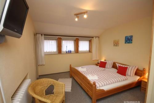 Schlafzimmer 4 – Ferienhaus Heine