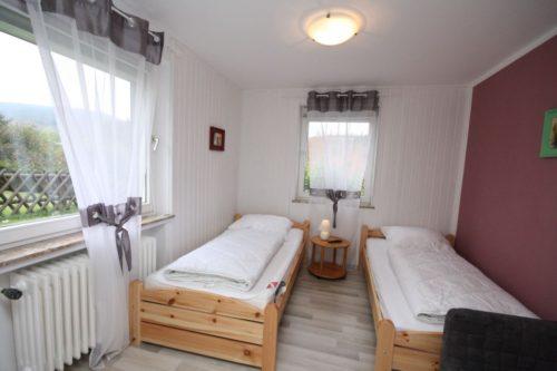 Schlafzimmer 2 - Ferienhaus Heine