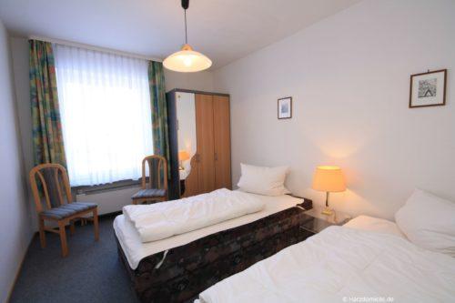 Schlafzimmer 2 – Ferienwohnung Lawerenz