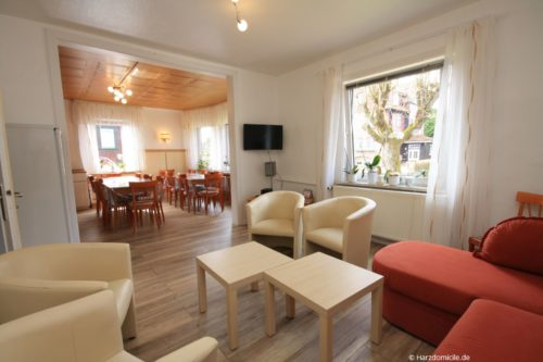 Wohn- /Essbereich mit offener Küche – Gruppenhaus Fernblick