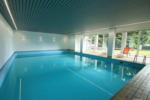 Eine Ferienwohnung mit eigenem Schwimmbad birgt so einige Vorteile