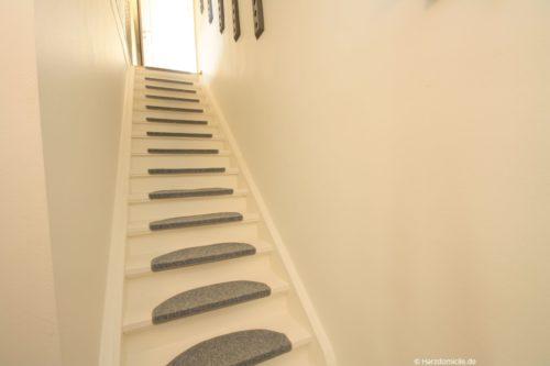 Eingangsbereich / Treppe – Ferienwohnung Josephine
