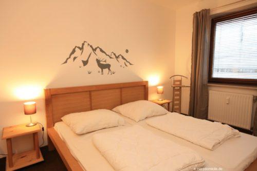 Schlafzimmer 1 – Ferienwohnung am Kurpark