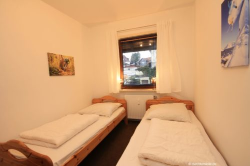 Schlafzimmer 2 – Ferienwohnung am Kurpark