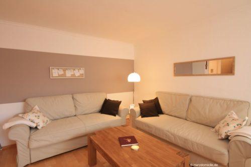 Wohn- /Essbereich mit Schlafcouch – Ferienwohnung Zauberhexe