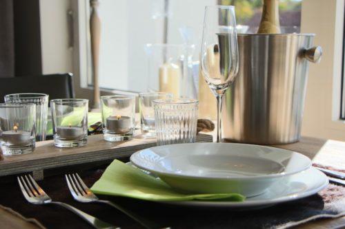 Wohn- /Essbereich mit offener Küche – Ferienwohnung Bergchalet
