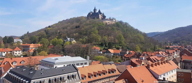 Blick über Wernigerode in Richtung Schloss Wernigerode, fotografiert aus der Liebfrauenkirche