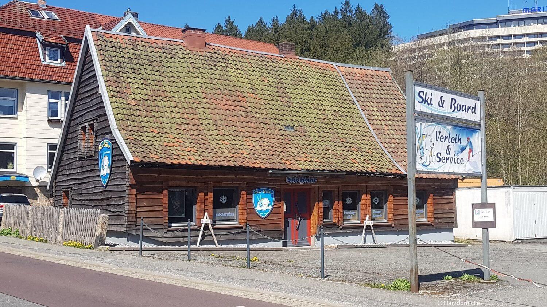 """Außenaufnahme des Skiverleihs """"Ski Bähr"""" in Braunlage in der Harzburger Str. 23"""